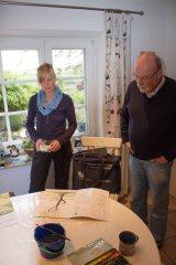 Abschlussarbeiten an der Aquarellen in der Ferienwohnung in Middelhagen (c) Frank Koebsch (4)