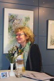 Hanka Koebsch in Ihrer Ausstellung in Graal Müritz (c) Andrea Conteduca