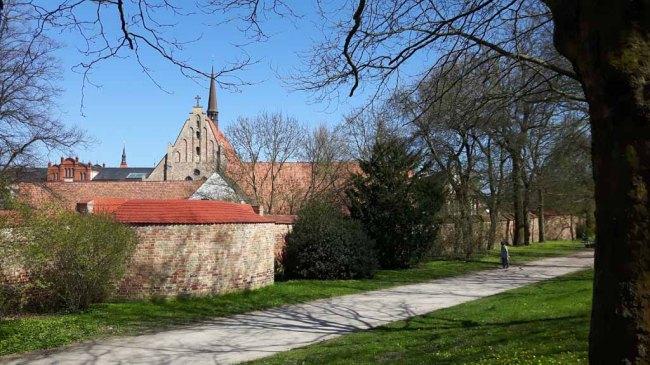 Blick auf das Kloster zum Heiligen Geist in Rostock (c) Frank Koebsch (2)