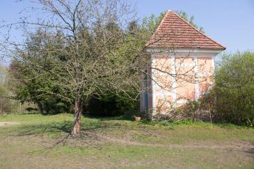Teehaus im Park von Schloss Griebenow (c) Frank Koebsch (1)