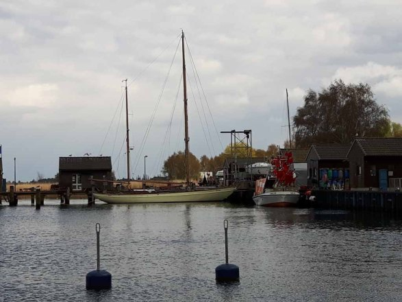 Boote und Schiffe im Hafen von Gager (c) FRank Koebsch (3)