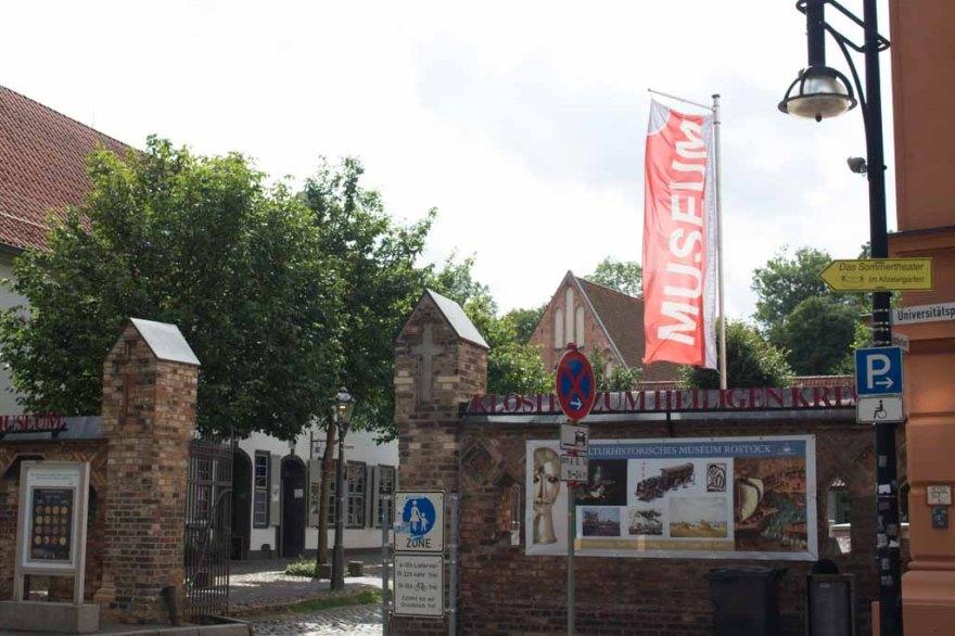 Eingang zum Klosterhof in Rostock (c) Frank Koebsch (4)