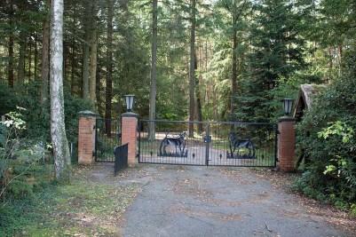 Eingang zur Verwaltung des Nationalparkamtes in Born (c) FRank Koebsch(1)