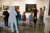 Frau Dr. Susanne Knuth erläutert das Bild - Laternenkinder - von Rudolf Bartels im Kulturhistorischen Museum Rostock (c) Frank Koebsch. (3)