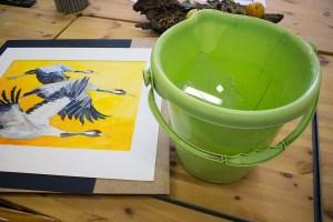 Das Kranich Aquarell - Vögel des Glücks - ist am Boden zerstört (c) FRank Koebsch