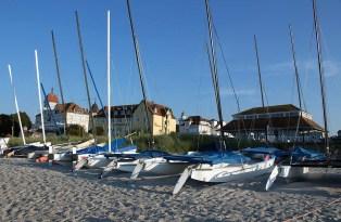 Katamarane am Strand von Kühlungsborn West (c) Frank Koebsch (1)