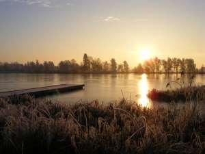 Lüsewitzer See im winterlichen Morgenlicht (c) FRank Koebsch