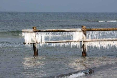 Eisige Ostsee am Darßer Ort (c) FRank Koebsch (3)