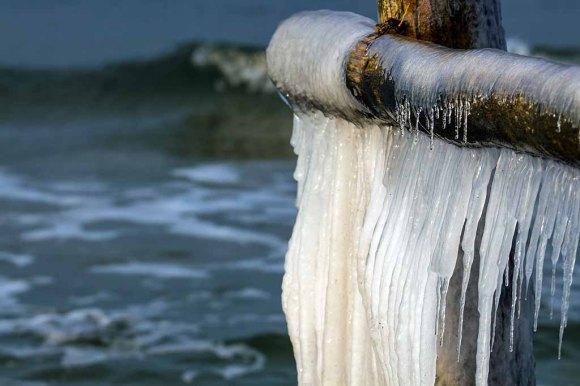Wunderbare Eiszapfen an der Ostsee (c) FRank Koebsch (7)