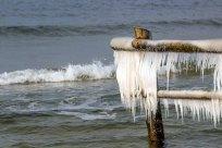 Wunderbare Eiszapfen an der Ostsee (c) FRank Koebsch (9)