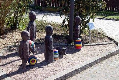 Laternenkinder von Barbara Nowy beim Kunstmuseum Schwaan (c) Frank Koebsch