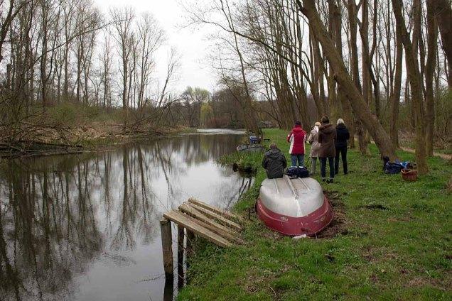 Skizzieren an der Beke für ein Landschaftsaquarell in Schwaan (c) FRank Koebsch (2)