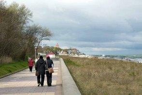 Dunkle Wolken und Wind über Kühlungsborn (c) FRank Koebsch