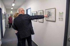 In unserer Ausstellung Wildes Land wir Hankas Wolfsaquarell diskutiert (c) FRank Koebsch