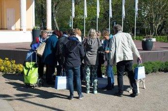 Malschüler von Susanne Mull beim Kick Off des Plein Air Festivals in Kühlungsborn (c) Frank Koebsch