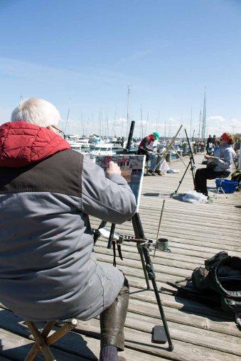 Thomas Freund bei der Plein Air Malerei imit Öl im Hafen von Kühlungsborn (c) Frank Koebsch (1)Thomas Freund bei der Plein Air Malerei imit Öl im Hafen von Kühlungsborn (c) Frank Koebsch (1)