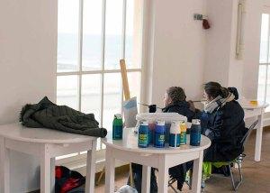 Workshop Acrylmalerei im Konzertkarten Ost während des Plein Air Festivals in Kühlungsborn (c) FRank Koebsch (3)