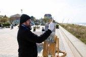 Freies Malen am Strand von Kühlungsborn im Rahmen des Plein Air Festivals (c) FRank Koebach (17)