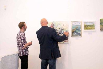 Schnappschüsse vom Hängen der Bilder beim PLein Air Festival (c) FRank Koebsch (6)
