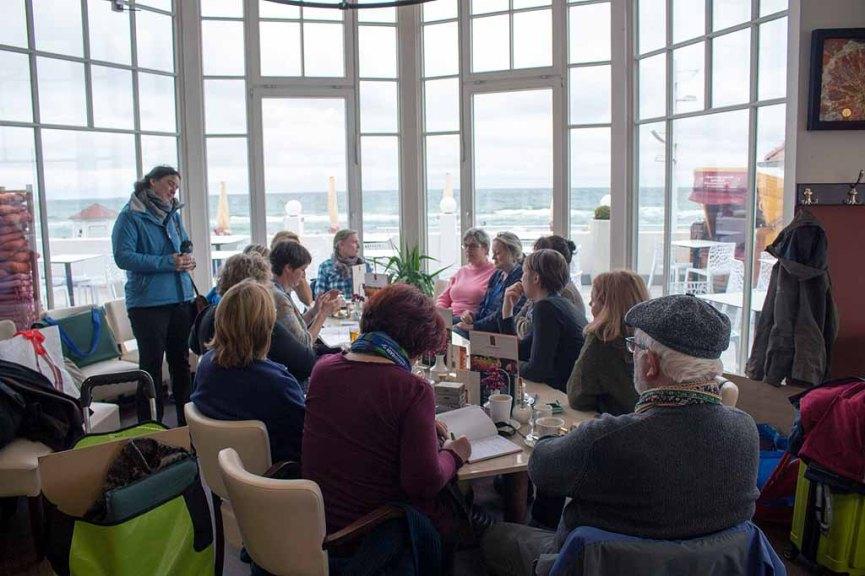 Workshopteilnehmer Pastellmalerei mit Susanne Mull im Cafe Röngten (c) FRank Koebsch (1)