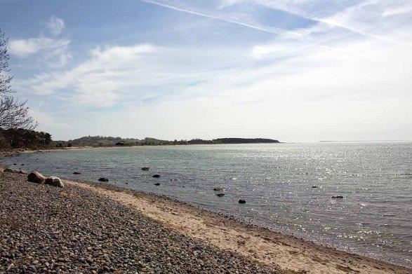 Blick vom Strand Klein Zickers nach Thiessow (c) Frank Koebsch