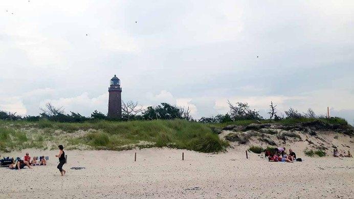 Badetouristen am Strand vom Darßer Ort (c) FRank Koebsch