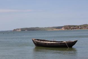 Fischerboot am Strand zwischen Klein Zicker und Thiessow (c) Frank Koebsch (1)