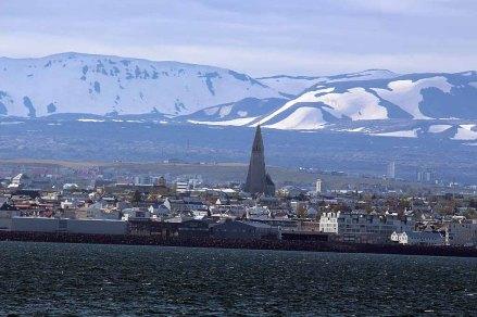Einfahrt von Reykjavik (c) Frank Koebsch