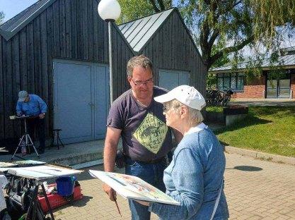 FRank Koebsch mit Malschülerin im Hafen Rerik - Mai 2017 (c) Kirsten Paulsen (1)