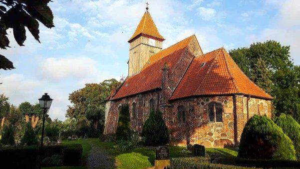 Kirche von Middelhagen (c) Frank Koebsch (1)