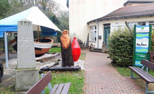 Blick auf das Heimatmuseum Graal Müritz (c) Frank Koebsch
