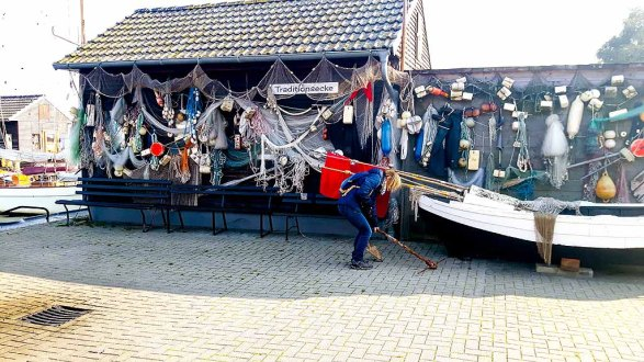 Entdeckungen in der Traditionsecke des Fischereihafens von Gager (c) FRank Koebsch (3)