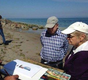 FRank Koebsch erklärt wie Steine und Buhnen im Aquarell gemalt werden können (c) kirsten Paulsen (4)