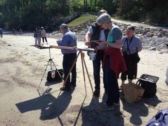 FRank Koebsch erklärt wie Steine und Buhnen im Aquarell gemalt werden können (c) kirsten Paulsen (7)