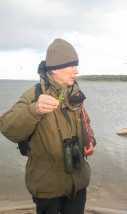 Herr Schwarz erklärt uns die Highliths der Natur auf dem Großen Schwerin (c) Frank Koebsch (3)