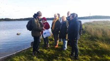 Herr Schwarz erklärt uns die Highliths der Natur auf dem Großen Schwerin (c) Frank Koebsch (4)