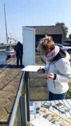 Malen im Hafen von Gager (c) Frank Koebsch (3)