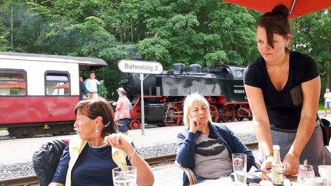 Pause auf dem Bahnhof von Heiligendamm (c) FRank Koebsch (3)