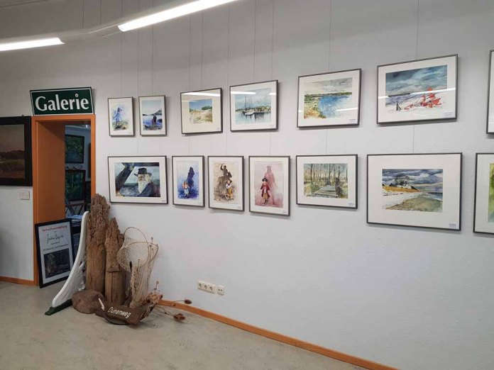 Unsere Aquarelle im Heimatmuseum Graa Müritz (c) Frank Koebsch
