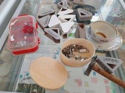 Vorbereitungen für unsere Ausstellung im Heimatmuseum Graal Müritz (c) FRaank Koebsch (3)