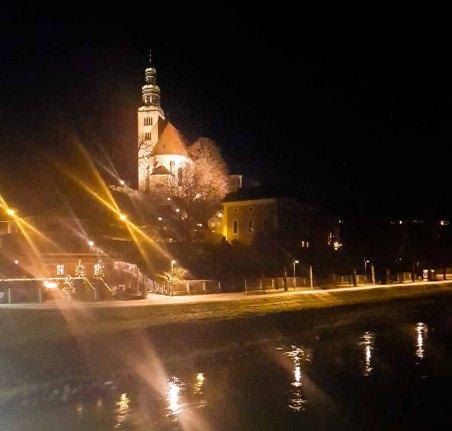 Salzburg - Müllner Kirche bei Nacht (c) Frank Koebsch