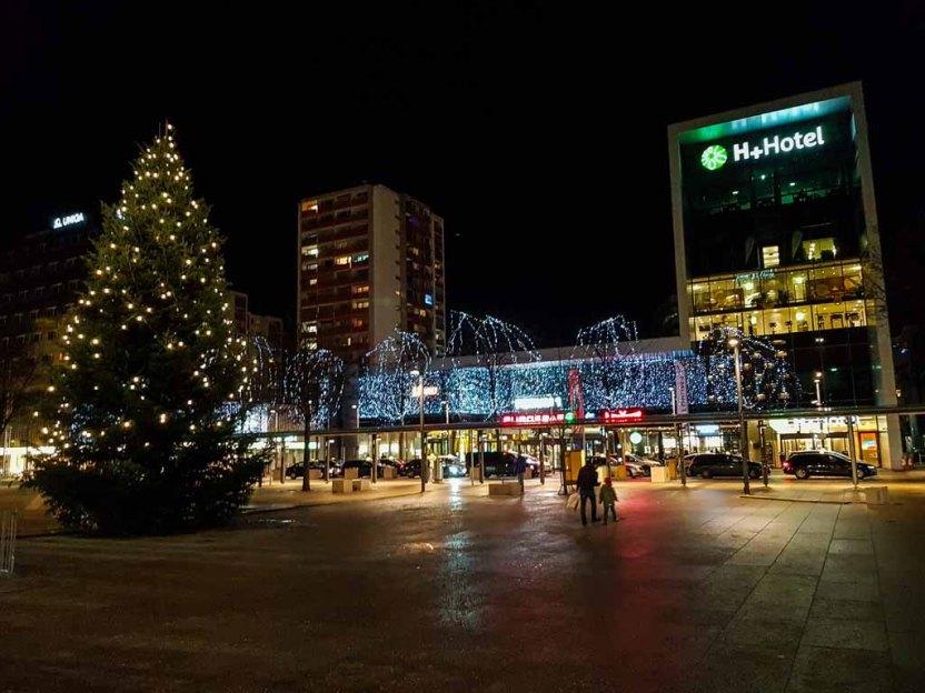 Südtiroler Platz in Salzburg zur Weihnachtszeit (c) Frank Koebsch (2)