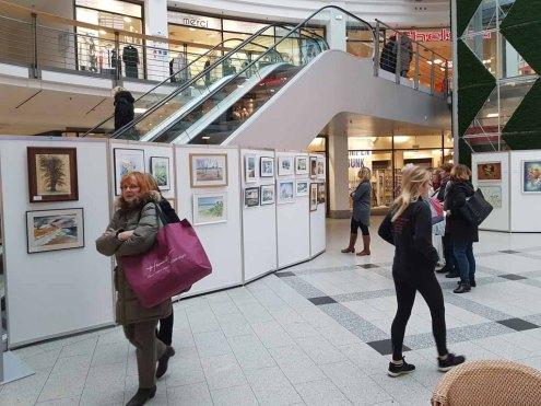 Foyer des Rostocker Hofes mit unseren Aquarellen (c) FRank Koebsch (1)