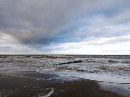 Winter mit Stürmische Ostsee am Strand von Ahrenshoop (c) Frank Koebsch (3)