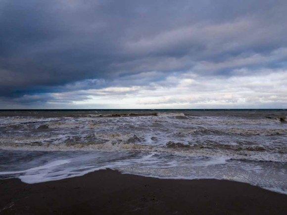 Winter mit Stürmische Ostsee am Strand von Ahrenshoop (c) Frank Koebsch (5)