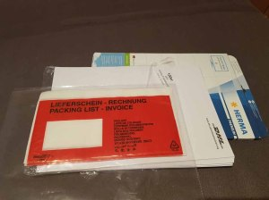 Büromaterial - Etiketten und Rechnungshüllen (c) Frank Koebsch