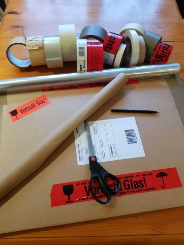 Verpacktes Aquarell vom Pfarrwitwenhaus (c) Frank Koebsch