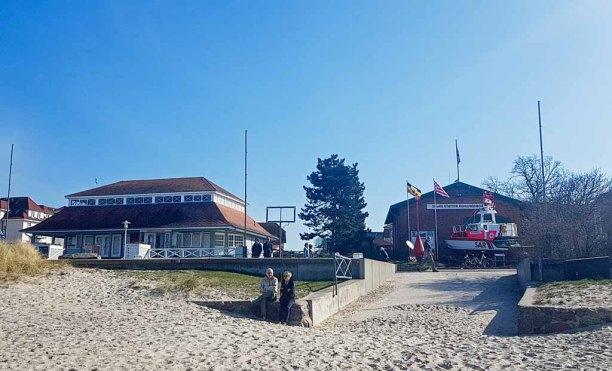 Die Kunsthalle und die Deutsche Gesellschaft zur Rettung Schiffbrüchiger in Kühlungsborn (c) Frank Koebsch