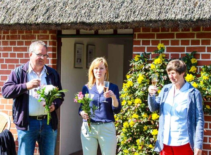 Frank Koebsch , Gerit Höhne-Grünheid und Pe bei der Eröffnung der Ausstellung in Middelhagen (c) Jost Grünheid (1)