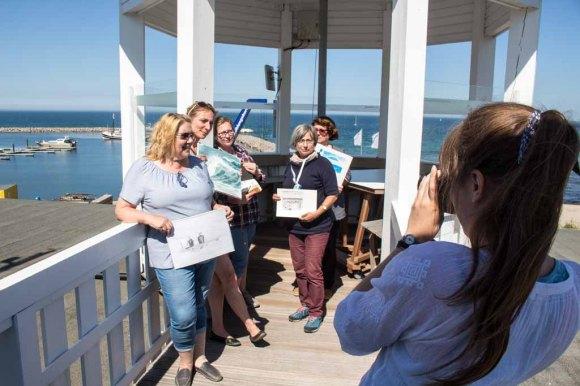 Plein Air Festival 2018 - Anke Gruss und ihre Malschüler beim Fototermin (c) Frank Koebsch
